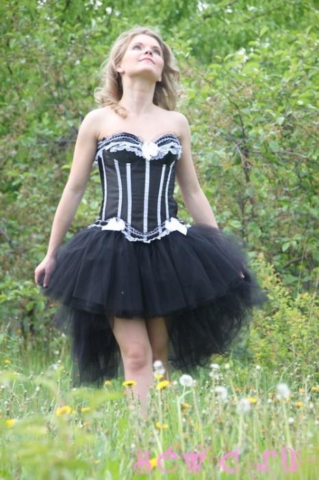 вечерние платья для невысоких длинные