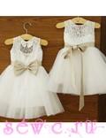 Платье белое с золотым бантом, 2-8 лет.