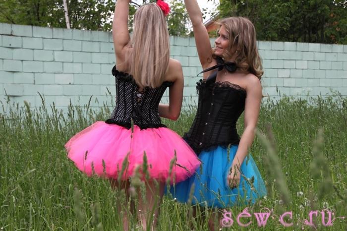 Пышные юбки пачки бирюзового и пурпурного цвета